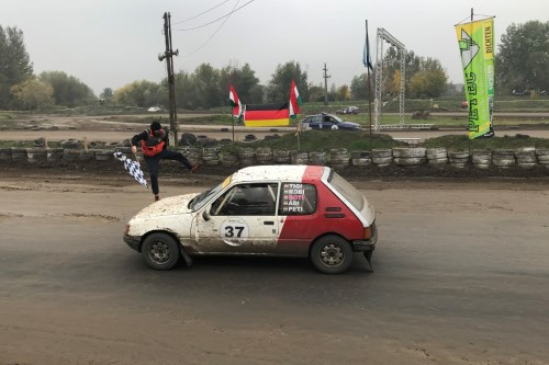 Rettenthetetlen Sebhelyesfarkú Rallye Team